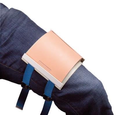 7060C - Držiak na šicie podložky pre simulačných pacientov