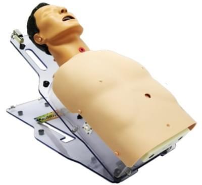 BT-CSIS - Model pre nácvik podávanie výživy trubicou, starostlivosť o tracheostómiu a odsávanie