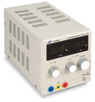DC Napájecí zdroj 0 – 20 V, 0 – 5 A (230 V, 50/60 Hz)