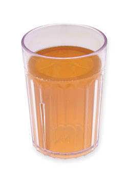 Jablečný džus ve sklenici