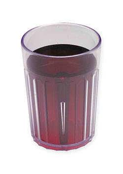 Hroznový / brusinkový džus ve sklenici
