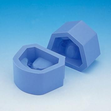 Forma na sádrové modely (trieda II skupina 1 stiesnené zuby)