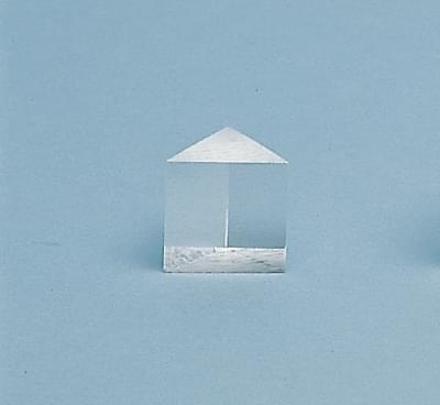 4016 - Rovnostranný hranol z plexiskla