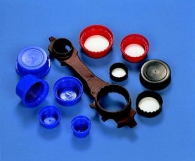 Uzáver skrutkovací PP, modrý, s kónickým tesnením a poistným krúžkom, pro láhve 100 ml