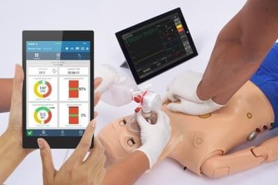 S300.105.250.PK.L - Code Blue® III pediatrický simulátor pre nácvik rozšírenej resuscitácie s OMNI® 2